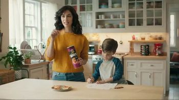 Pringles Wavy TV Spot, 'Daddy' - Thumbnail 1