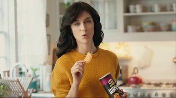 Pringles Wavy TV Spot, 'Daddy' - Thumbnail 7