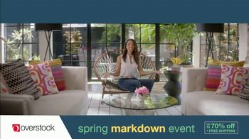 Overstock.com Spring Markdown Event TV Spot, 'Table Runner' - Thumbnail 6