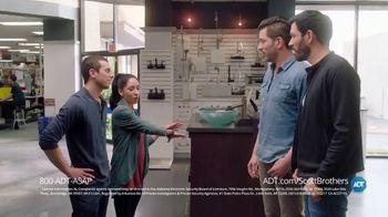 ADT TV Spot, 'DIY Fails' Featuring Jonathan Scott, Drew Scott - Thumbnail 5