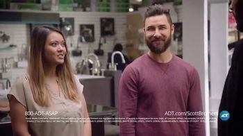 ADT TV Spot, 'DIY Fails' Featuring Jonathan Scott, Drew Scott - Thumbnail 6