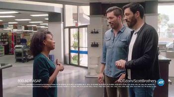 ADT TV Spot, 'DIY Fails' Featuring Jonathan Scott, Drew Scott - Thumbnail 7