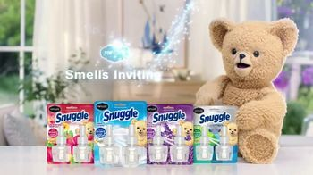 Renuzit Snuggle Air Fresheners TV Spot, 'Smell Good Welcome' - Thumbnail 10