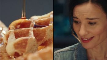 Dairy Queen Chicken & Waffles Basket TV Spot, 'Date Night at DQ' - Thumbnail 4