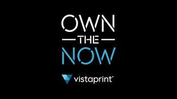 Vistaprint TV Spot, 'Own the Now: tarjetas now' canción de Norman [Spanish] - Thumbnail 5