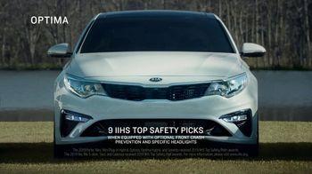 Kia Spring Savings Time TV Spot, 'Quality: The Kia Badge' [T2] - Thumbnail 3