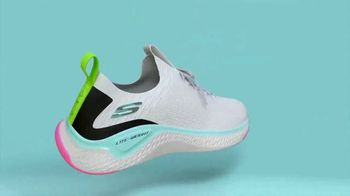 SKECHERS TV Spot, 'Air-Cooled Memory Foam' - Thumbnail 6