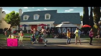 Big Lots TV Spot, 'Party: Chips and Soda' - Thumbnail 2