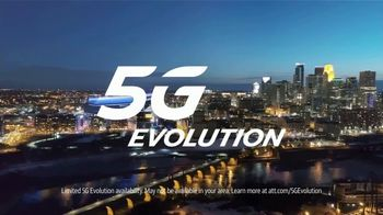 AT&T Wireless 5G Evolution TV Spot, 'OK March Madness: Saints Go Marching In' - Thumbnail 7