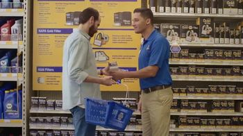 NAPA Auto Parts TV Spot, 'Tu idioma: cubeta' [Spanish] - Thumbnail 6
