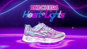 SKECHERS Heart Lights TV Spot, 'Glitter and Glow' - Thumbnail 10