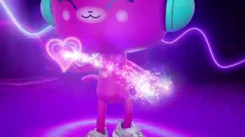 SKECHERS Heart Lights TV Spot, 'Glitter and Glow' - Thumbnail 7
