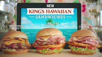 Arby's King's Hawaiian Sandwiches TV Spot, 'Isle of Buns' Featuring H. Jon Benjamin, Song by YOGI - Thumbnail 5