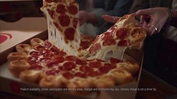 Pizza Hut Ultimate Cheesy Crust Pizza TV Spot, 'Look at That Crust' Song by Sir Mix-a-Lot - Thumbnail 5