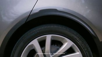 Land Rover Own the Adventure Sales Event TV Spot, 'Electronic Air Suspension: Dog' [T2] - Thumbnail 5