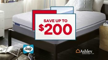 Ashley HomeStore Presidents Day Mattress Sale TV Spot, 'Sealy & Ashley Sleep' Song by Midnight Riot - Thumbnail 4