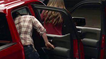 2019 Chevrolet Silverado TV Spot, 'Full of Surprises' [T2] - Thumbnail 3