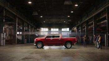 2019 Chevrolet Silverado TV Spot, 'Full of Surprises' [T2] - Thumbnail 5