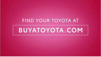 Toyota Sweetheart Deals Sales Event TV Spot, 'Swing In: Highlander and Camry' [T2] - Thumbnail 7