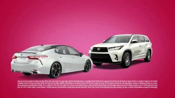Toyota Sweetheart Deals Sales Event TV Spot, 'Swing In: Highlander and Camry' [T2] - Thumbnail 2