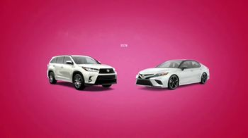 Toyota Sweetheart Deals Sales Event TV Spot, 'Swing In: Highlander and Camry' [T2] - Thumbnail 4