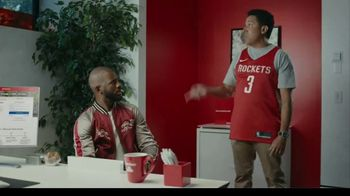 State Farm TV Spot, 'Triple Threat' Featuring Chris Paul, Oscar Nuñez - Thumbnail 6