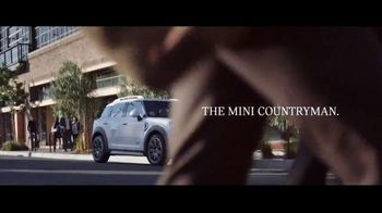 2019 MINI Countryman TV Spot, 'Don't Fence Me In' Featuring Labrinth [T2] - Thumbnail 8