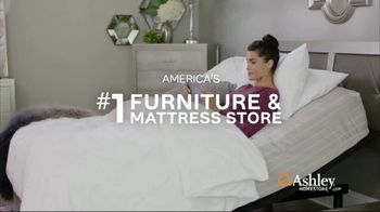 Ashley HomeStore Presidents Day Mattress Sale TV Spot, 'Final Week: Queen Mattress & Power Base' Song by Midnight Riot - Thumbnail 6
