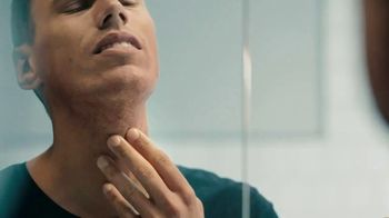 Gillette SkinGuard TV Spot, 'A Razor Just for Men' - Thumbnail 3