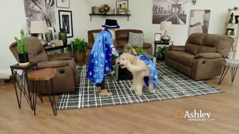 Ashley HomeStore Presidents Day Sale TV Spot, 'Final Week: Sofas & Beds' Song by Midnight Riot - Thumbnail 3