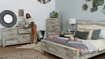 Ashley HomeStore Presidents Day Sale TV Spot, 'Final Week: Sofas & Beds' Song by Midnight Riot - Thumbnail 6