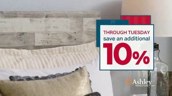 Ashley HomeStore Presidents Day Sale TV Spot, 'Final Week: Sofas & Beds' Song by Midnight Riot - Thumbnail 8