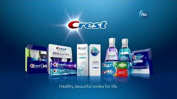 Crest 3D White Whitening Therapy TV Spot, 'Whitens and Protects: Charcoal or Coconut Oil' - Thumbnail 10