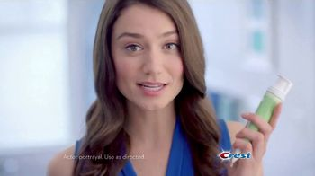 Crest 3D White Whitening Therapy TV Spot, 'Whitens and Protects: Charcoal or Coconut Oil'