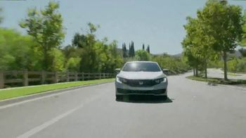 Honda Presidents Day Sale TV Spot, 'Commanding Offers: Civic and Accord' [T2] - Thumbnail 2