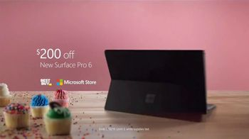 Microsoft Surface Pro 6 TV Spot, 'Cupcakes: $200 Off' Ft. Brian Orakpo, Michael Griffin - Thumbnail 10