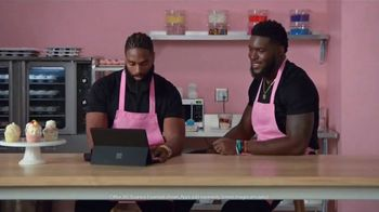 Microsoft Surface Pro 6 TV Spot, 'Cupcakes: $200 Off' Ft. Brian Orakpo, Michael Griffin - Thumbnail 6