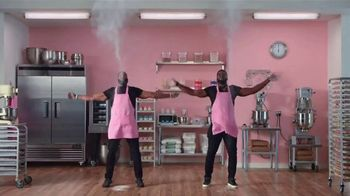 Microsoft Surface Pro 6 TV Spot, 'Cupcakes: $200 Off' Ft. Brian Orakpo, Michael Griffin - Thumbnail 8