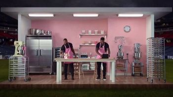 Microsoft Surface Pro 6 TV Spot, 'Cupcakes: $200 Off' Ft. Brian Orakpo, Michael Griffin - Thumbnail 9