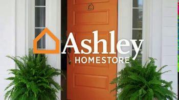 Ashley HomeStore Anniversary Mattress Sale TV Spot, 'Final Week: King for a Queen' - Thumbnail 1