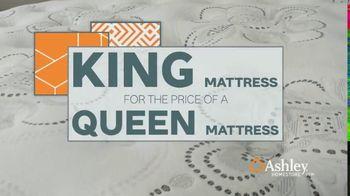 Ashley HomeStore Anniversary Mattress Sale TV Spot, 'Final Week: King for a Queen' - Thumbnail 5