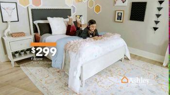 Ashley HomeStore Anniversary Sale TV Spot, 'Going On Now: Furniture' - Thumbnail 7