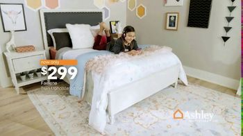 Ashley HomeStore Anniversary Sale TV Spot, 'Going On Now: Furniture' - Thumbnail 8