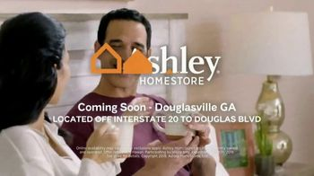 Ashley HomeStore Best of the Best Event TV Spot, 'Final Week: Woodanville and Willowton' Song by Midnight Riot - Thumbnail 9