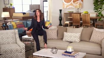 Rooms to Go Anniversary Sale TV Spot, 'Once a Year Sexy' Featuring Sofia Vergara, Cindy Crawford - Thumbnail 4