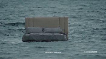 Mattress Firm TV Spot, 'Junk Sleep Sneaks up on You' Featuring Liev Schreiber - Thumbnail 7