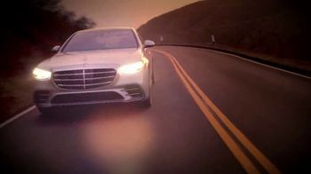 2021 Mercedes-Benz S-Class TV Spot, 'Take Me to the Movies' [T1] - Thumbnail 6
