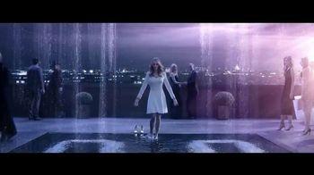Lancôme Paris La Vie Est Belle Soleil Cristal TV Spot, 'Brilla' con Julia Roberts, canción de Josef Salvat [Spanish] - Thumbnail 3