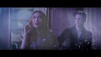 Lancôme Paris La Vie Est Belle Soleil Cristal TV Spot, 'Brilla' con Julia Roberts, canción de Josef Salvat [Spanish] - Thumbnail 4