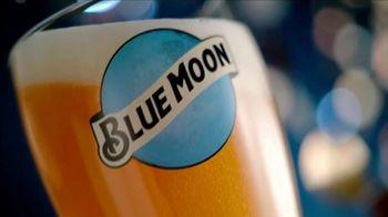 Blue Moon TV Spot, 'Para que tus días brillan más' [Spanish]